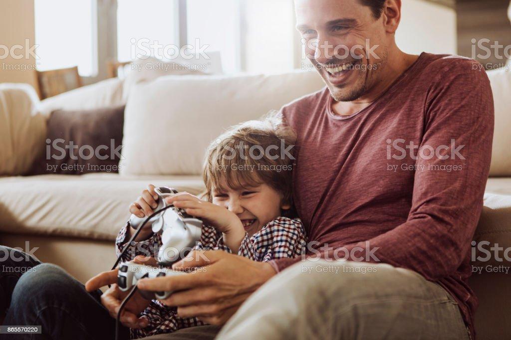 Père et fils rire - Photo