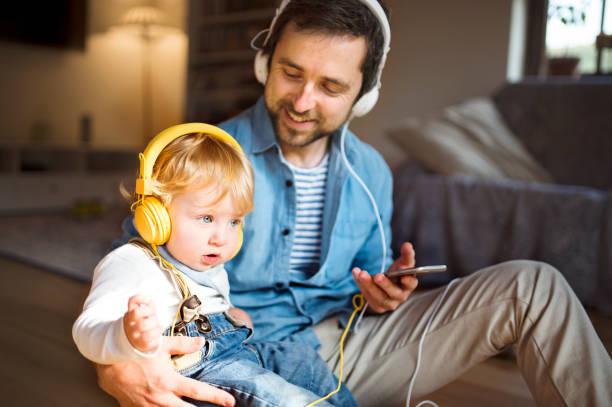 Resultado de imagem para dad listening music