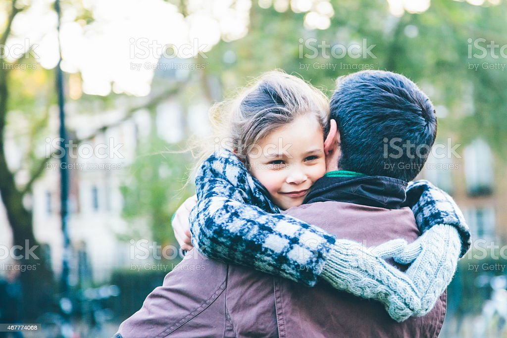 Vater holding seine Tochter – Foto