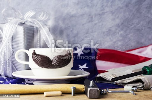 Fathers Day Concept Of Hot Coffee With Mustache And Tool On The Table And American Flag 照片檔及更多 七月 照片