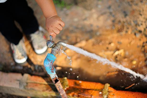 wastage of water The inability of the delhi government to curb water leakage and theft is largely to be blamed for the absence of piped water supply to large parts of the capital as the total distribution losses are t.