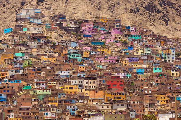 favelas of lima peru - perú fotografías e imágenes de stock