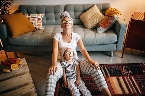 fealing santai - di rumah potret stok, foto, & gambar bebas royalti
