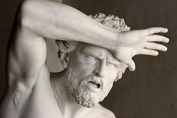 fear (statue of shocked man protecting his head with hand) - sculptuur stockfoto's en -beelden