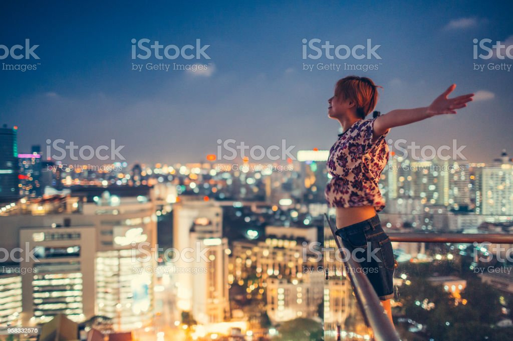Feel flying of the city night - foto stock