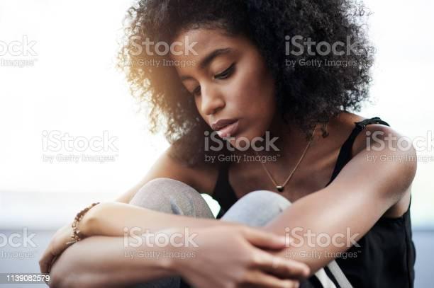 Ich Fühle Mich So Verloren Und Allein Stockfoto und mehr Bilder von Afrikanischer Abstammung