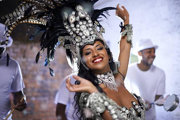 sentir o ritmo do brasil - samba imagens e fotografias de stock