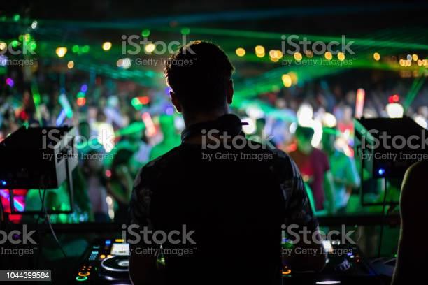 Feeling the music picture id1044399584?b=1&k=6&m=1044399584&s=612x612&h=z8te xzyq331afsqaajhc3nevqoi38xxmcgvbki evq=
