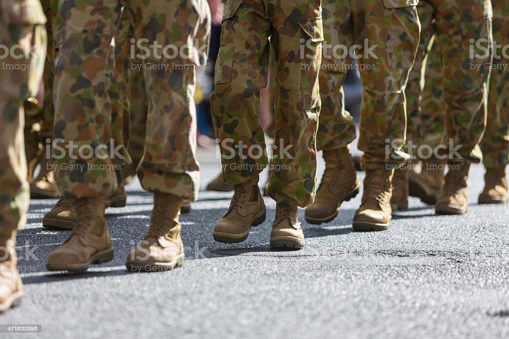 Ноги солдат Маршировать в День АНЗАК стоковое фото