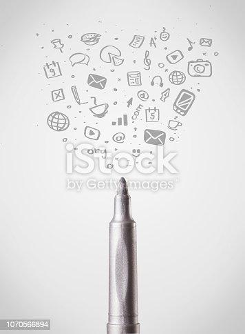 istock Felt pen close-up with social media icons 1070566894