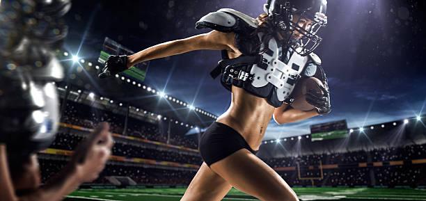 weibliche american football player - sexsymbol stock-fotos und bilder