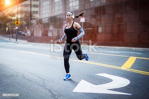 istock Female athlete in the city 685855536