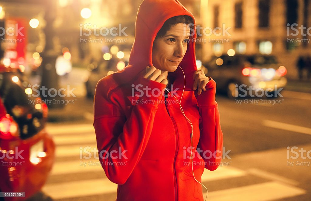 Female Athlete Preparing Herself for Jogging photo libre de droits