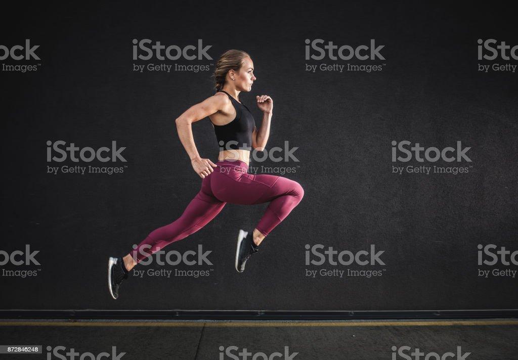 Weibliche Athleten laufen – Foto
