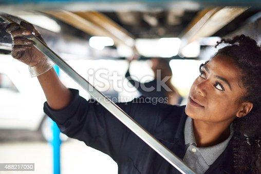 599909112 istock photo female auto mechanic 488217030