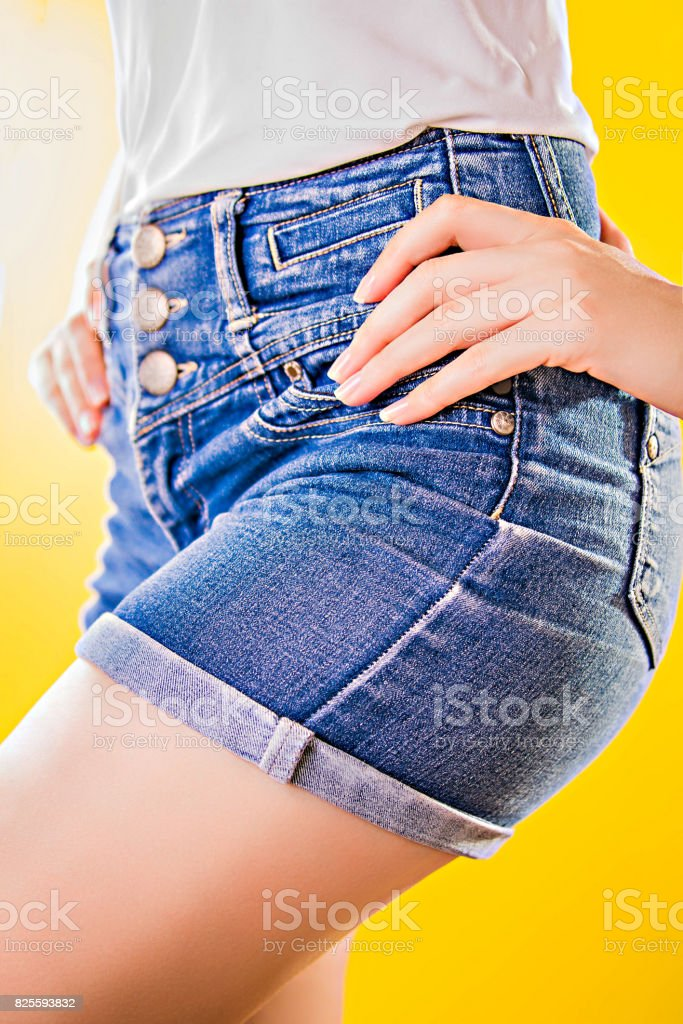 Nalgas Mujeres En Shorts De Jeans - Fotografía de stock y más ...