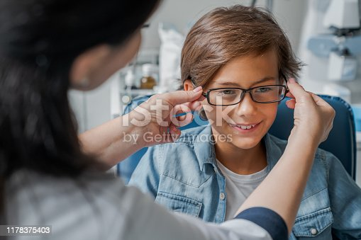 Eye Exam, Child, Medical Exam, Eye Test Equipment, Ophthalmologist