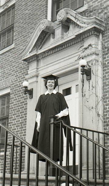 Weibliche college-Absolventen, retro 50er Jahre – Foto