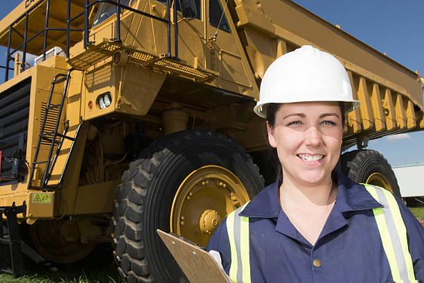Weibliche Engineer und Straßenfracht Industrie – Foto