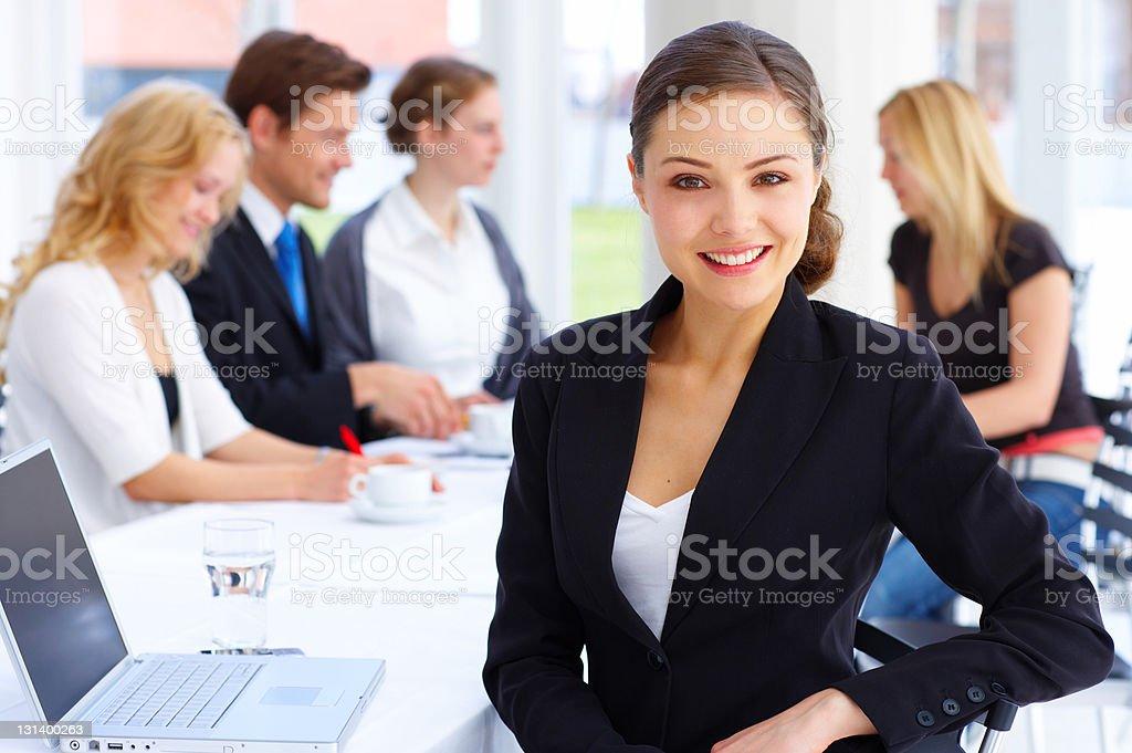 Lächelnd weibliche executive Lizenzfreies stock-foto