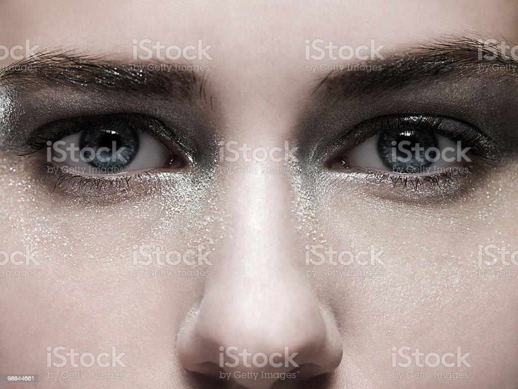 Rosto feminino com make-up de Prata foto de stock royalty-free