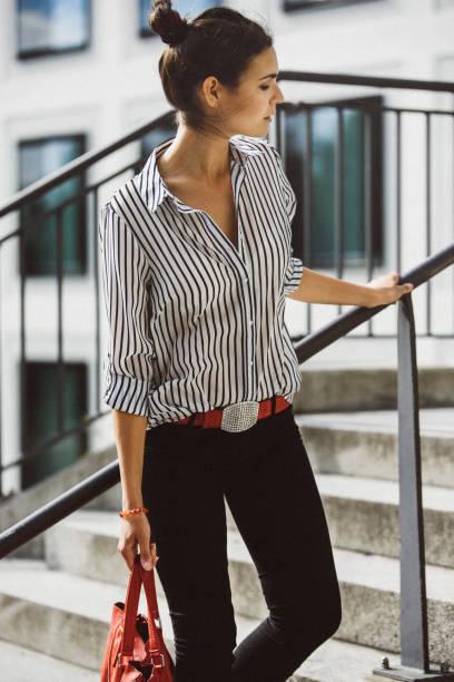 ミュンヘン、ドイツの女性のファッションのブロガー ストックフォト