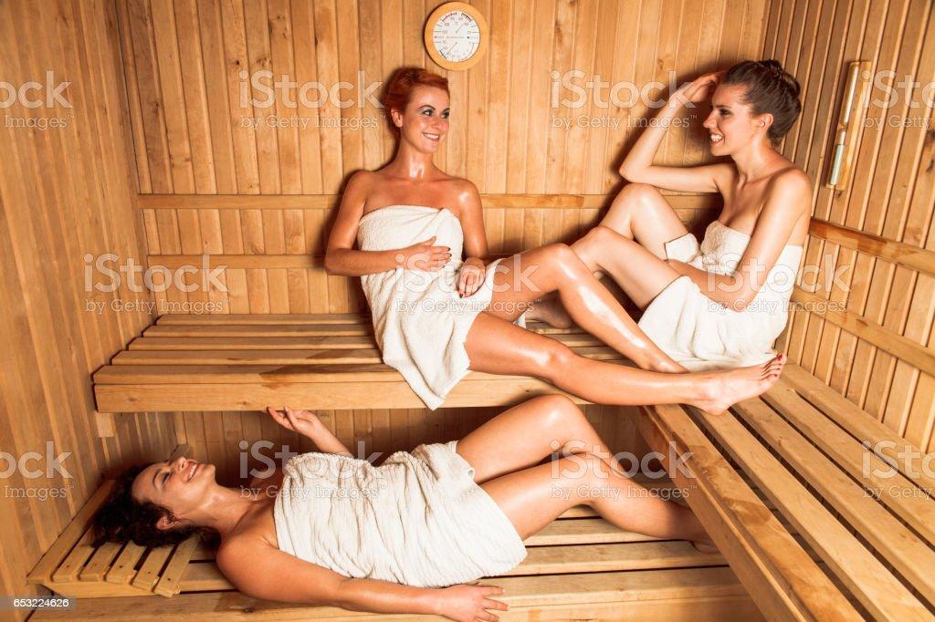 VIDEOS PORNO DE sexo en sauna XXX