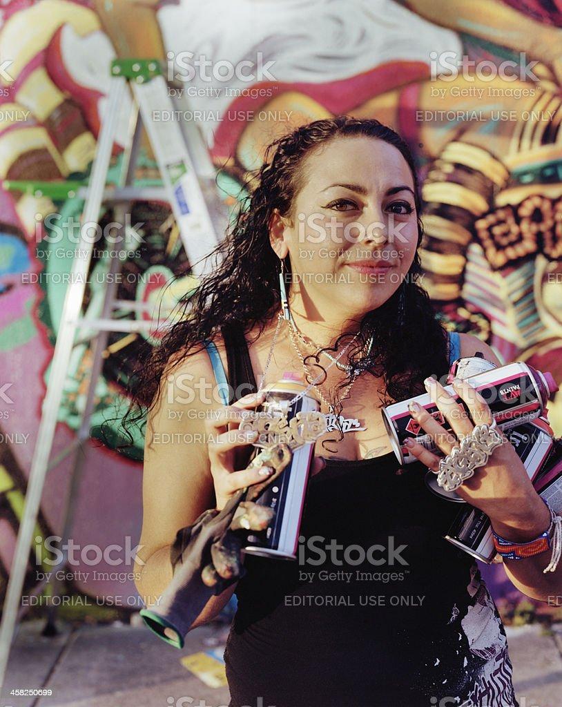 Weibliche Graffiti Muralist – Foto