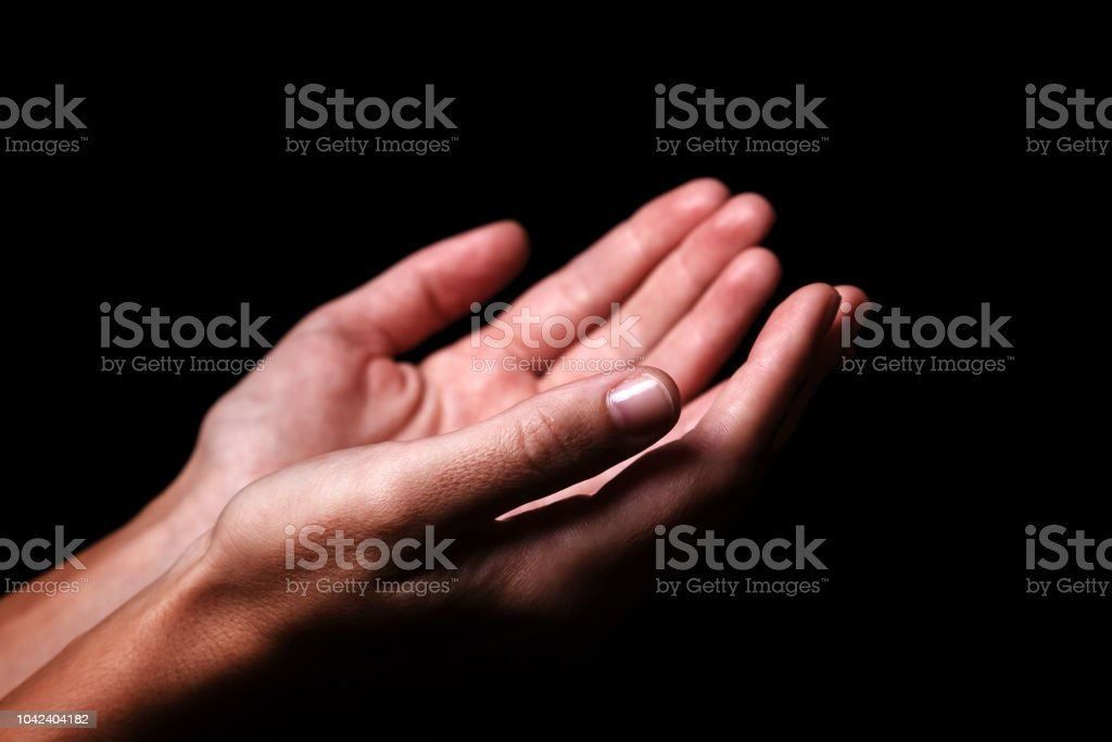 Fotografía De Mujer Manos Orando Con Palmas Hacia Arriba Los Brazos