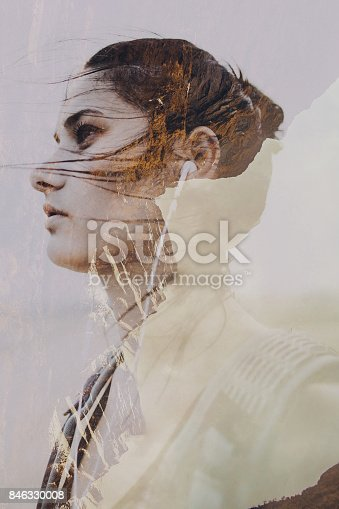 istock Female hiker looking for an adventure 846330008