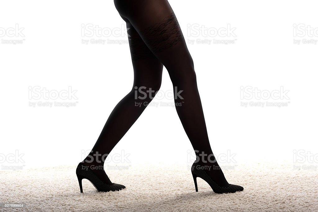 87ec8a394 Piernas De Mujer En Tacones Altos Y Medias Negras Foto de stock y ...
