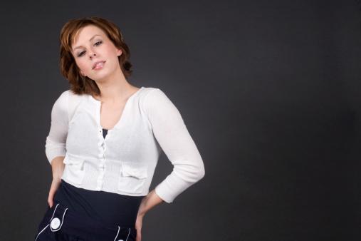 Foto de Mulheres Posando Em Preto e mais fotos de stock de Adulto