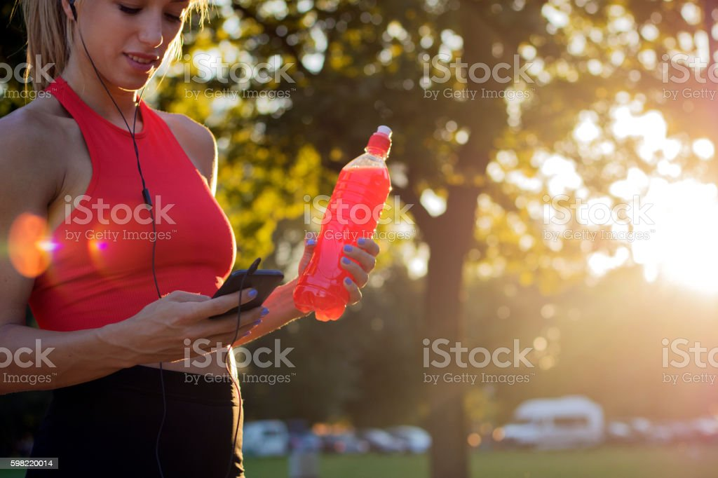 Female runner with smartphone foto royalty-free