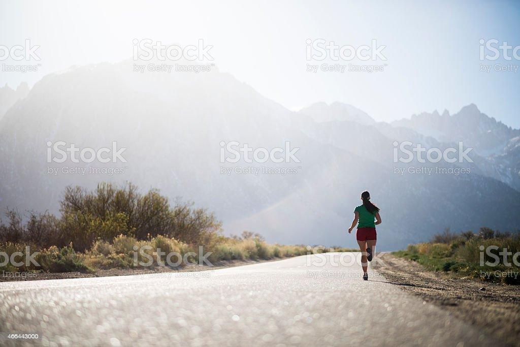 Mujer corriendo - foto de stock
