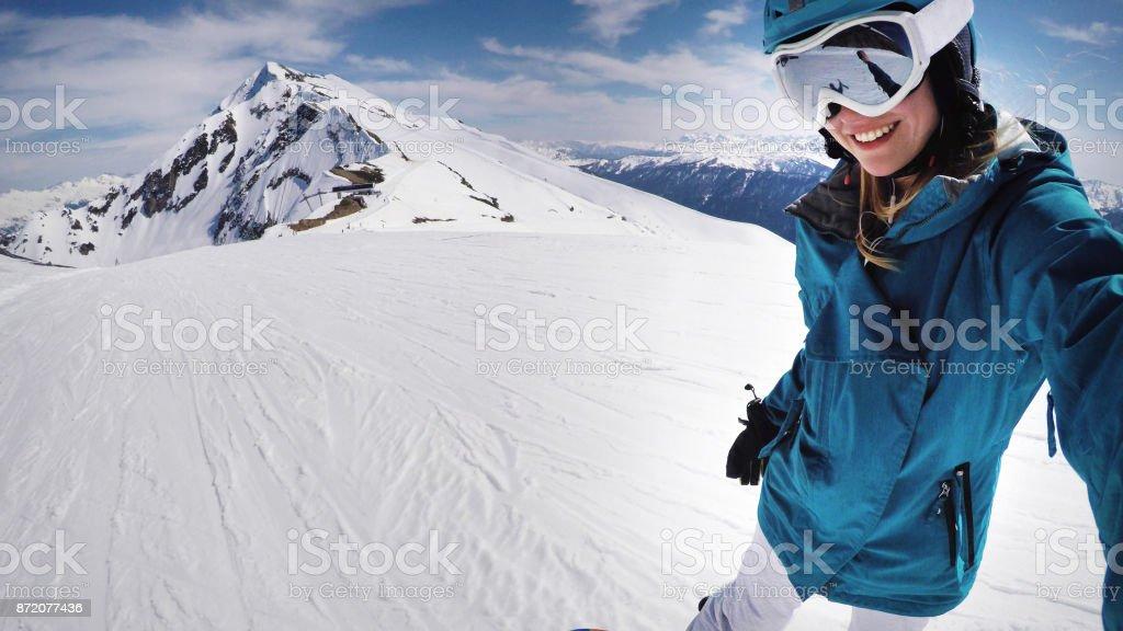 Weiblichen Snowboarder selfie – Foto