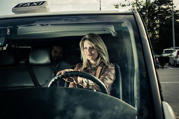 Weibliche Taxi Fahrer – Foto