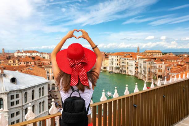 Reiseleiter über die Skyline von Venedig, Italien – Foto
