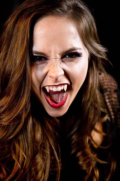 femme vampire - vampire femme photos et images de collection