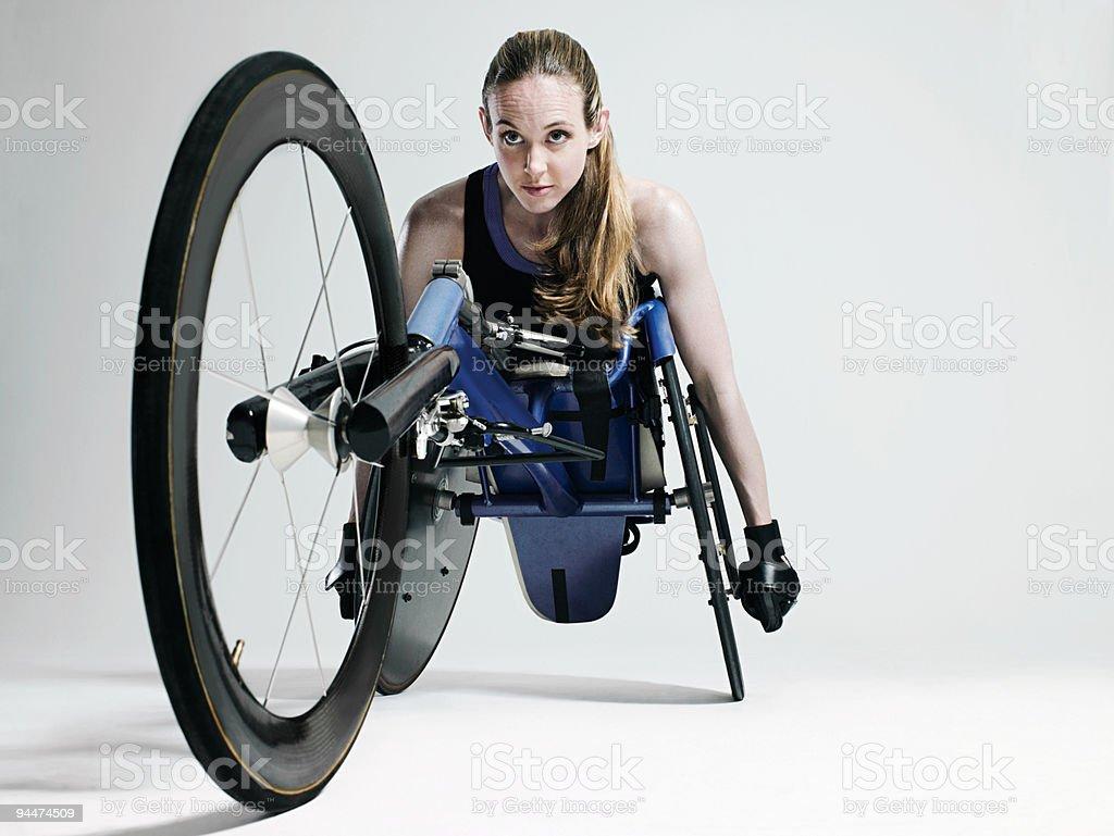 Mujer atleta para silla de ruedas - foto de stock