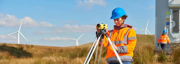 Weibliche windfarm engineer – Foto