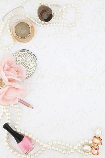 weibliche schönheit hintergrund - ohrringe rose stock-fotos und bilder