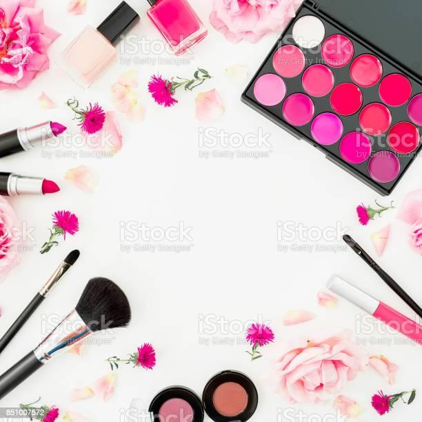 Feminine desk with woman cosmetics and pink flowers on white flat picture id851007572?b=1&k=6&m=851007572&s=612x612&h=k389l8lq1uy0lcvgyt6ihsbj cz 90ka7dfwzqrkcsi=