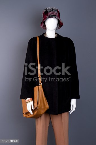 509923232 istock photo Fenale cute hat on mannequin. 917670320