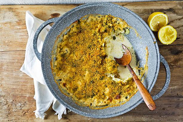 fennel fried in breadcrumbs with milk - fenchel überbacken stock-fotos und bilder