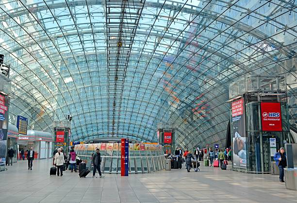 fernbahnhof frankfurt - luchthaven frankfurt am main stockfoto's en -beelden