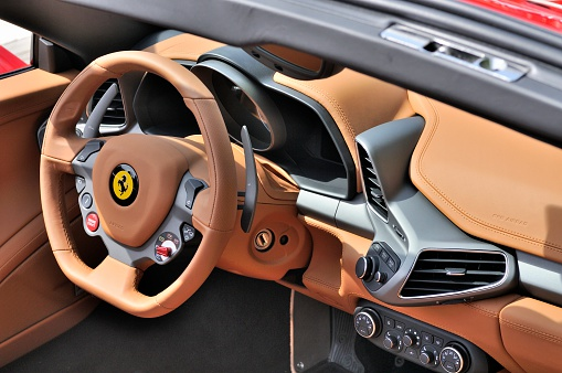 Ferrari 458 Spider Innen Stockfoto Und Mehr Bilder Von Anzeigeinstrument Istock