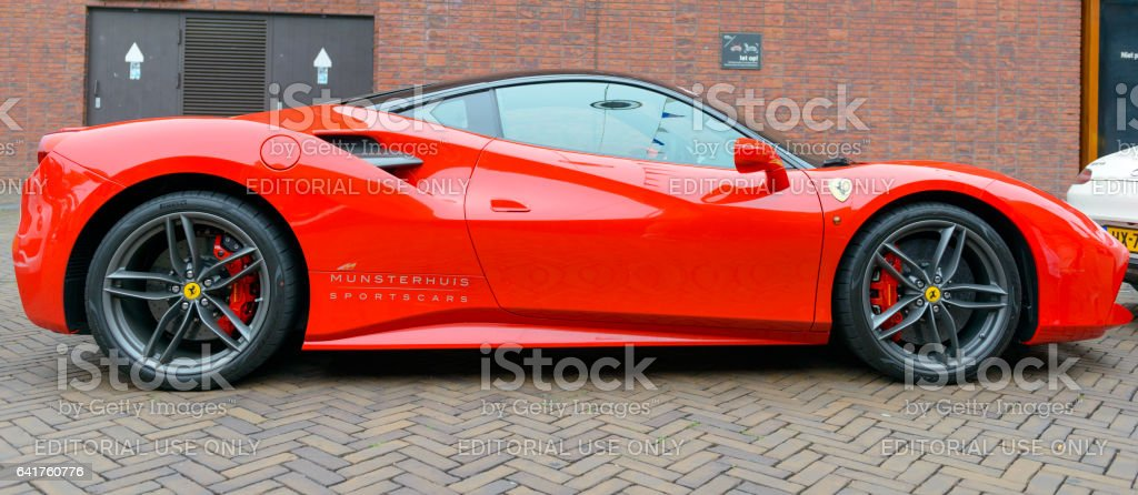 フェラーリ 488 gtb イタリアスポーツ車 v型8気筒のストックフォトや