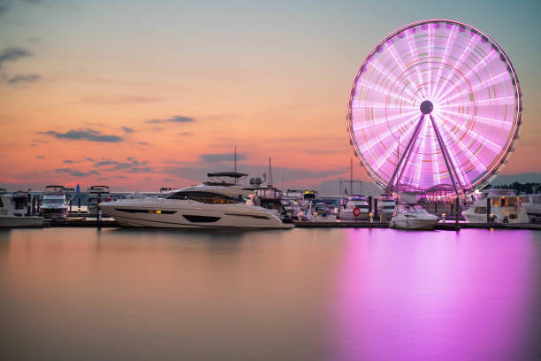 het wiel van ferris bij nationale haven, maryland - haven stockfoto's en -beelden