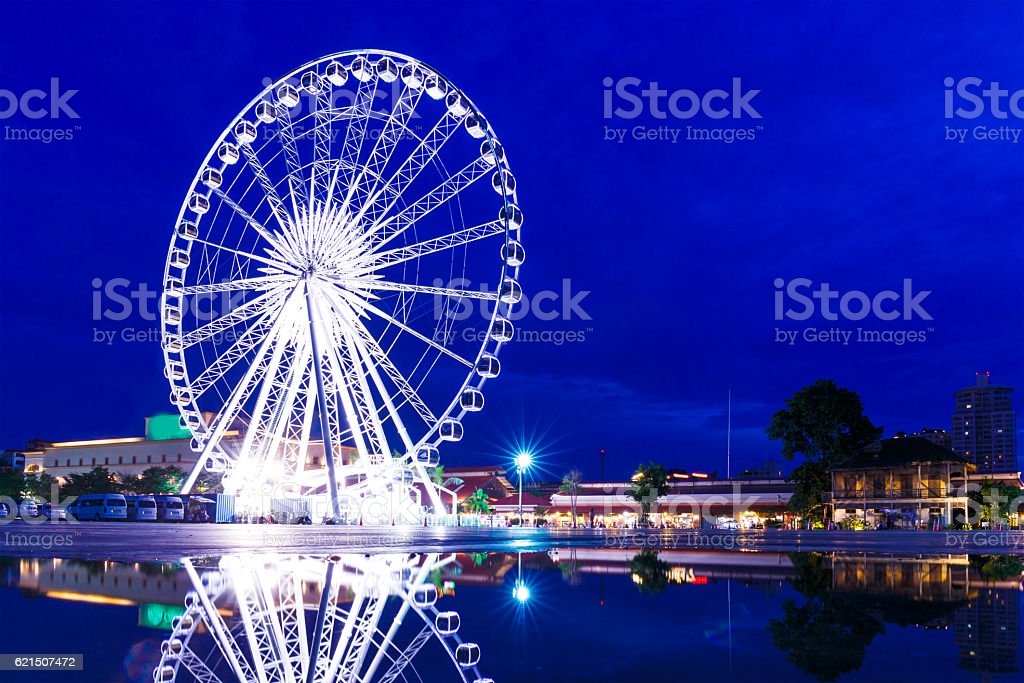 Ferris wheel in Bangkok at night foto stock royalty-free