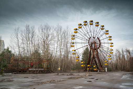 istock Ferris wheel in Pripyat 917272882